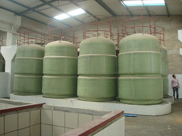 修补玻璃钢容器具体流程